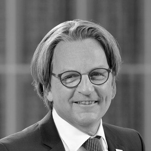 Dr. Gregor Bonin